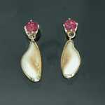 ER207 18kt yellow gold elk ivory earrings with pink tourmaline