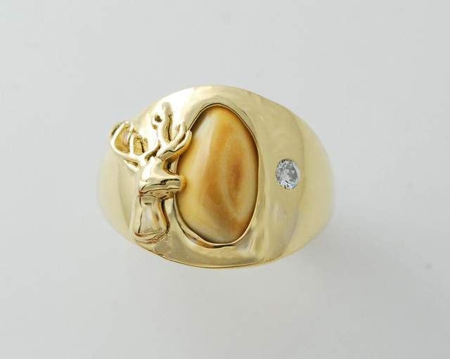 14kt elk ivory mens ring with .10ct diamond