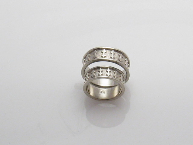 CADWS505 14kt white gold wedding set with symbolisms that were important to the couple.