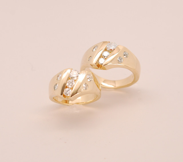 14kt yellow gold wedding set.